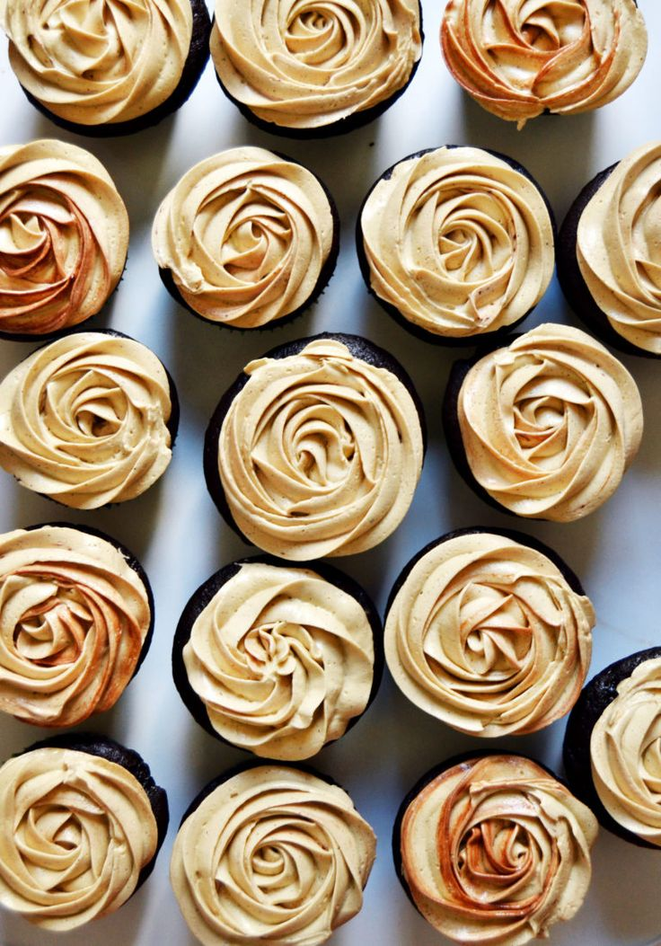 Mocha Cupcakes with Dark Chocolate Filling