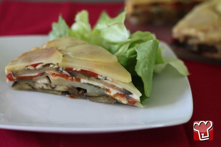 Avete bisogno di un'ottima idea per un pranzo speciale da offrire ai vostri amici vegetariani? Allora, scegliete il nostro tortino preparato con patate e melanzane. Ottimo, saporito e leggero!