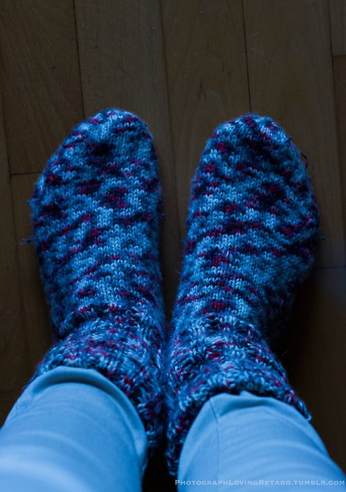 I'm in love with my wool socks! And I'm so ready for the autumn and winter. I mean, just go somewhere with your friends, take a cup of hot chocolate, read a book under a warm blanket... aww, gonna be so good!