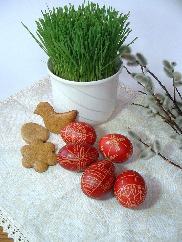 Minden kedves olvasónak és idetévedőnek áldott, békés húsvétot kívánok! A képen ez a mézeskalács is szerepel.
