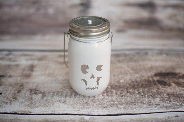 Vind je Halloween ook zo leuk? Hier zijn 17 zelfmaak ideetjes met glazen potten voor Halloween! - Zelfmaak ideetjes