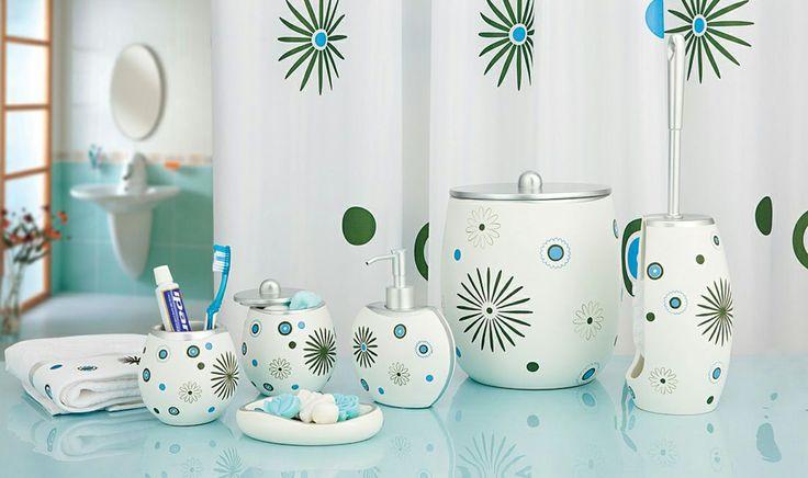 Duş perdeleri banyo dekorasyonunun vazgeçilmezi Duş perdeleri banyo dekorasyonunun en önemli parçasıdır. Banyo dekorasyonunda duş perdeleri zeminle, dolaplarla, armatürle, aksesuarlar ile uyum içersinde olursa harika banyo dekorasyonları ortaya çıkabilir.
