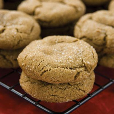 Chewy Ginger Snap Cookies ~ great christmas cookie…