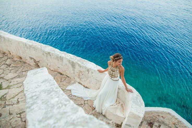 Wakeley bride, Marissa wears the Cleopatra Gown