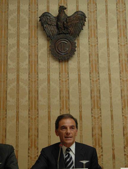 """""""Il sindaco ha commesso una vera e propria violenza istituzionale"""" tuona Gianni Lettieri riferendosi all'accordo con il Governo Renzi e la Regione Campania per riqualificare Bagnoli,"""