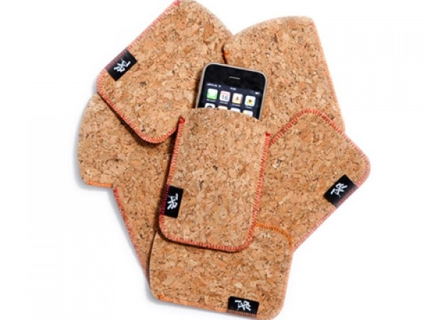 Cork Sleeves, what a great idea! Cork sleeves for  laptops, tablets and e-readers.