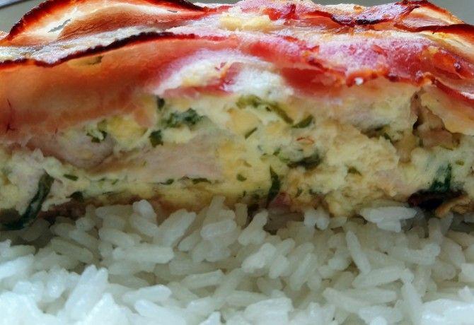 Egyszerű baconös csirkemell sütve