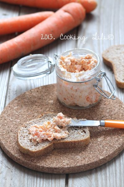 Rillettes de carottes- 200g carottes - 1 cs son d'avoine - 100g fromage frais - 30g fromage blanc - sel poivre - faire cuire les carottes eau salée 203 égoutter écraser. Mélangez son d'avoine fromages? Ajouter purée de carottes salez poivrez et mélangez. 1h au frig. avant déguster