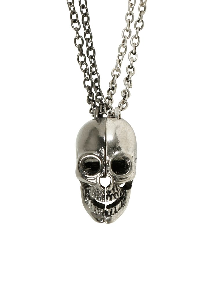 So want this skull splitting best friend necklace.