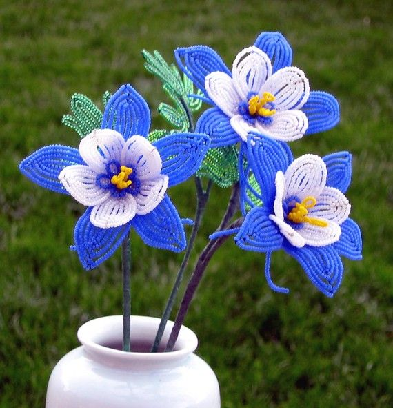 Im greeting the new year with a new bouquet of Colorado Columbines!! I currently have four new ones in stock.  Each flower is about 3 inches