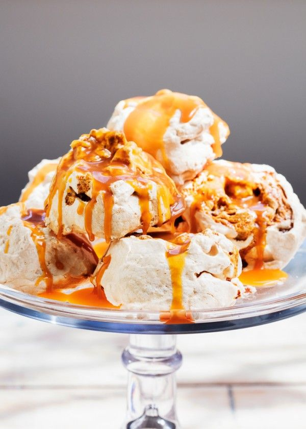 These meringues are sticky, chewy and super delicious.  Foodlovers by Helen Jackson