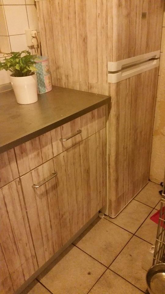 Ook mijn koelkast doet mee! Morgen nog even bij daglicht de laatste dingetjes afwerken. Plakfolie Action.