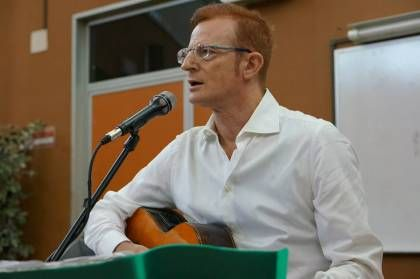Il concerto per il sorriso, Roberto Durkovic ei violinisti tzigani in pediatria: le foto
