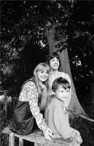 Mick Jagger & Marianne Faithful   Michael Cooper