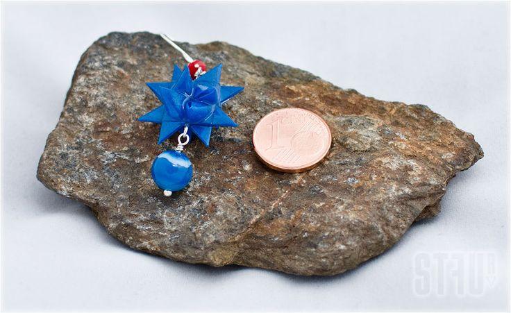 """Boucles d'oreille """"Blue pearl"""" - étoile bleue et une perle d'agate bleu avec une petite perle rouge. de la boutique Stfur sur Etsy"""