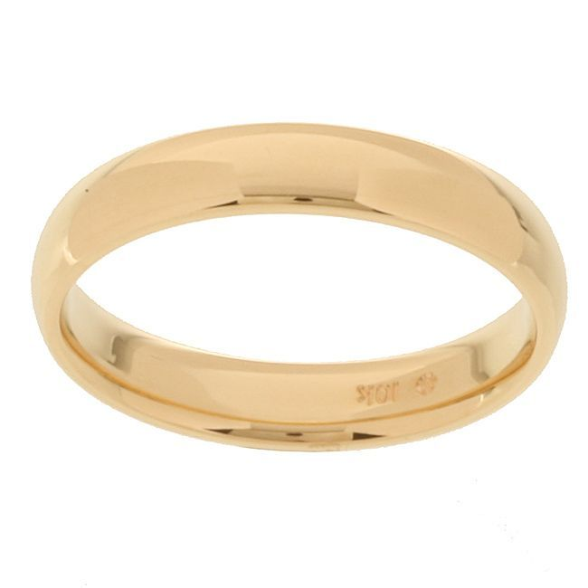 This simple gold wedding band for men is traditional in design and is made of solid 10-karat yellow gold. It offers a comfortable fit and a bright shine because it features a highly polished finish. It's a perfect way to commemorate your marriage.
