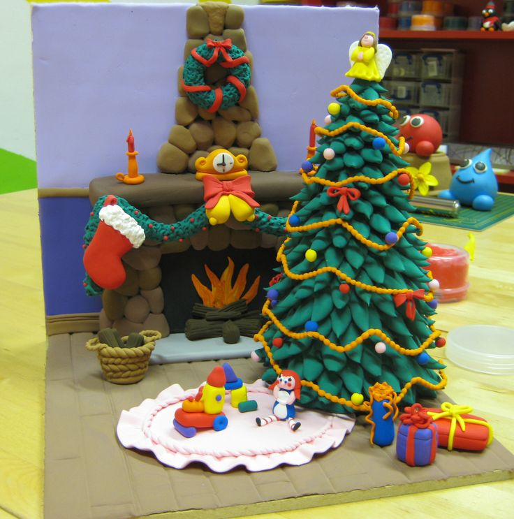 Jumping clay Christmas tree