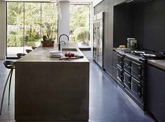 Bespoke bulthaup living: Kitchen Architecture's bulthaup b3 and b1 furniture in graphite and alpine white with bespoke concrete work surfaces.