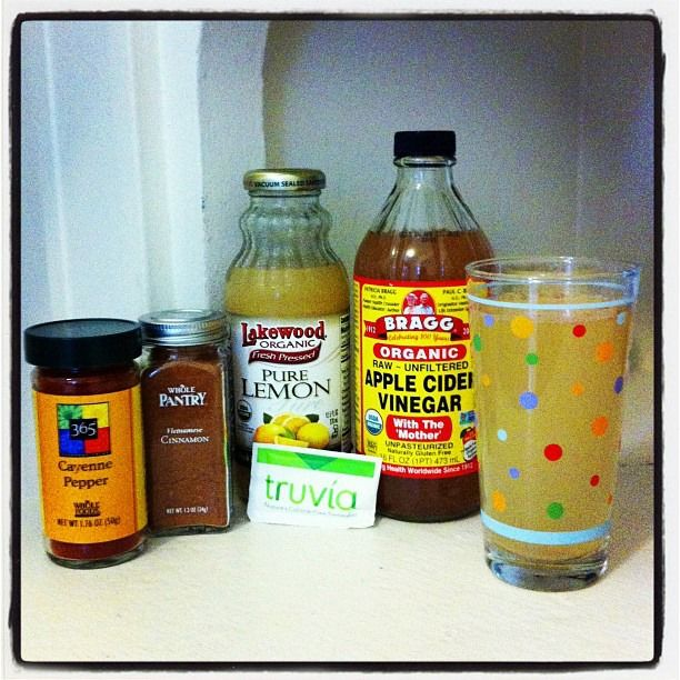 Health Benefits of Apple Cider Vinegar: Clear Skin, Weight Loss, Energy, Detox. 1 glass water (12-16 oz.) 2 Tbsp. Bragg Apple Cider Vinegar 2 Tbsp. lemon juice 1 tsp. cinnamon 1 dash cayenne pepper (optional) 1 packet stevia
