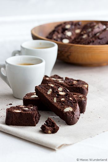 Chocolate Biscotti - German site but scroll down the page for the recipe in English.