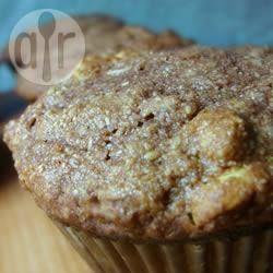 Muffin de chocolate com aveia @ allrecipes.com.br - Esses muffins de chocolate levam aveia e passas na massa. São fáceis de fazer e uma delícia.