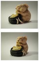 Хомяк с орехом   Резьба по дереву, кости и камню
