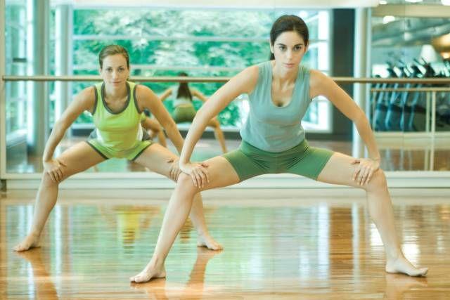 Prova lo Squat un esercizio completo per tonificare le gambe