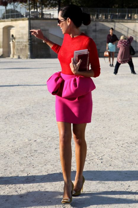 Love the peplum skirt and pink/red combo: Red Tops, Colors Combos, Red And Pink, Giambattista Valli, Pink Colors, Street Style, Valentines Day, Colors Blocks, Peplum Skirts
