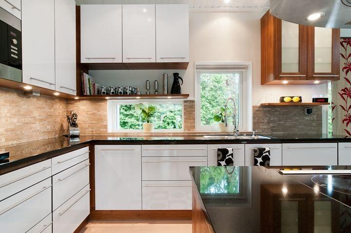 Snygga fönster i köket