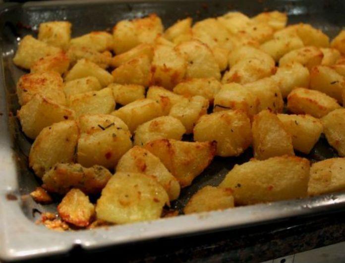Δοκιμάστε τις πιο νόστιμες και γευστικές πατάτες φούρνου! Συνταγή κόλαση…