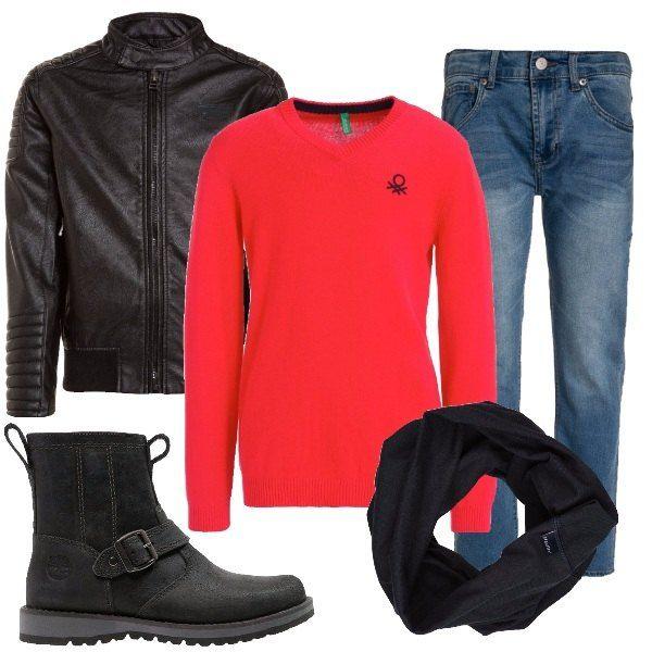 Questo outfit è perfetto per un ragazzino che ama vestirsi rock e che deve andare ad una festa di compleanno. E' composto da giubbotto in ecopelle, jeans, maglioncino rosso, scarponcini e sciarpa ad anello.