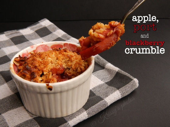 Apple, blackberry and port crumble
