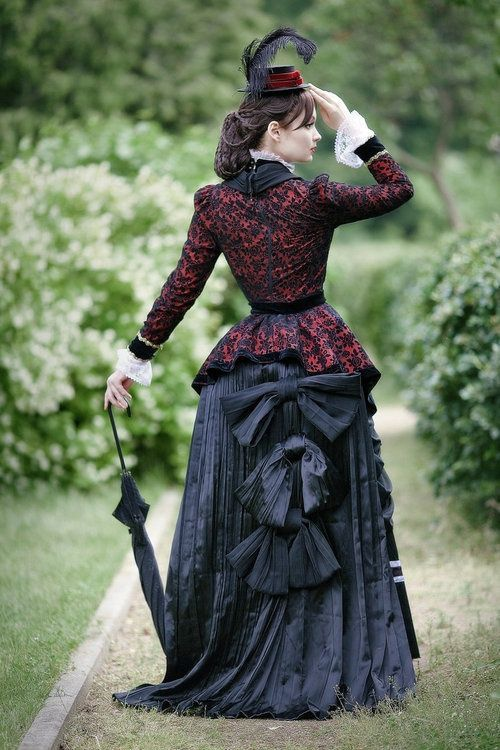 Lovely Outfit Inspiration Taken To Create My Own Victorian Style Dress Bustle Back Which Adds More Volume There Is Lots Of Detail And Time Spent On This