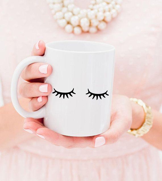 Sleepy Eyes Kaffeebecher – süße Geschenkidee für Sie! #Wimpern #Tasse make-up…