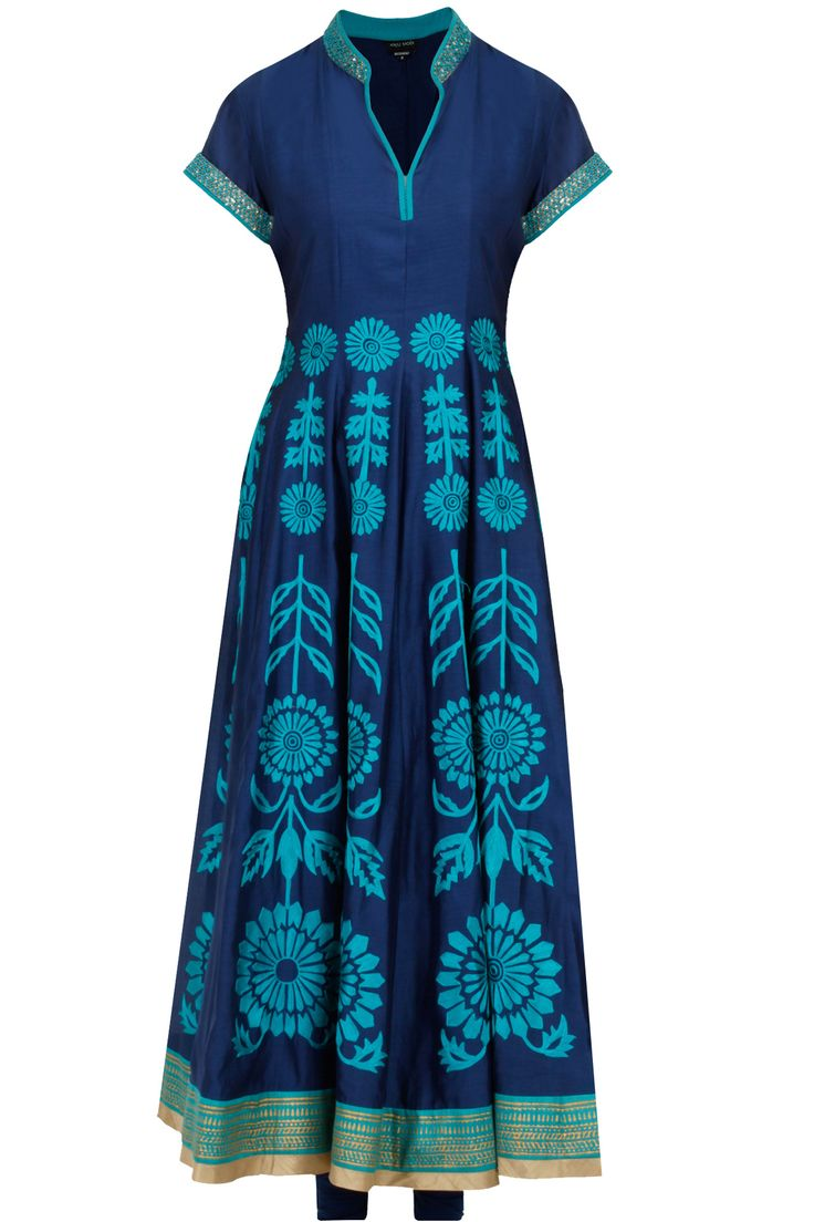 Dark blue floral embroidered anarkali kurta set available only at Pernia's Pop-Up Shop.