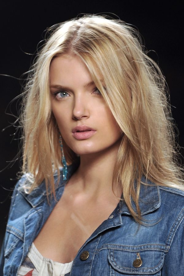 Lily Donaldson is one of my hair inspirations...especially this one...I do 'bed head' quite often.