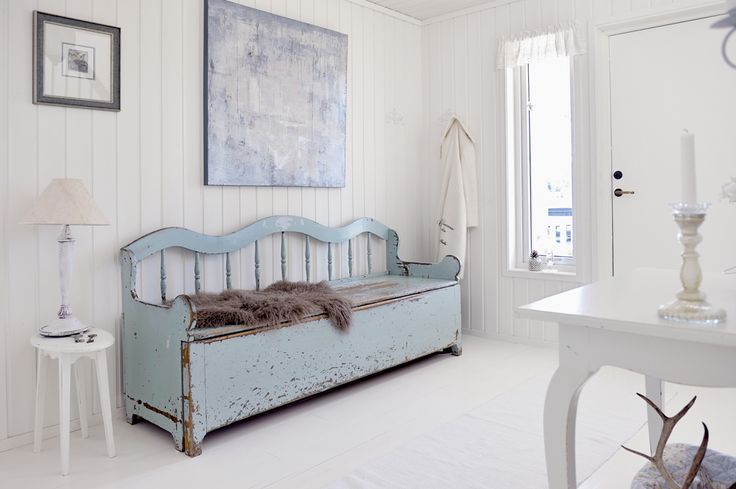 cool storage bench!   Was it once a Headboard? Bed?Wooden Benches, Decor Ideas, Furnishing, Blue, Shabby Chic, Rustic Style, House, Furniture, Beds Headboards