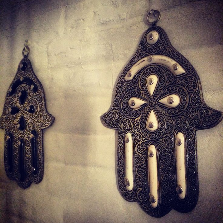 Live this Khamsas over The fireplace !