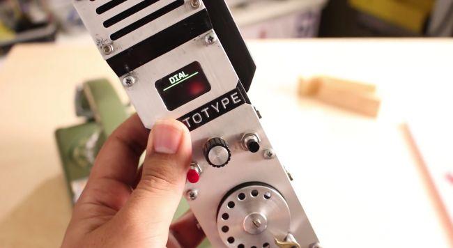 #интересное  #видео   Самодельный телефон с дисковым номеронабирателем    Современные энтузиасты-электронщики не перестают удивлять, постоянно создавая что-то необычное, новое и интересное. На YouTube полно всяких роликов, в которых они демонстрируют свои изобрет�
