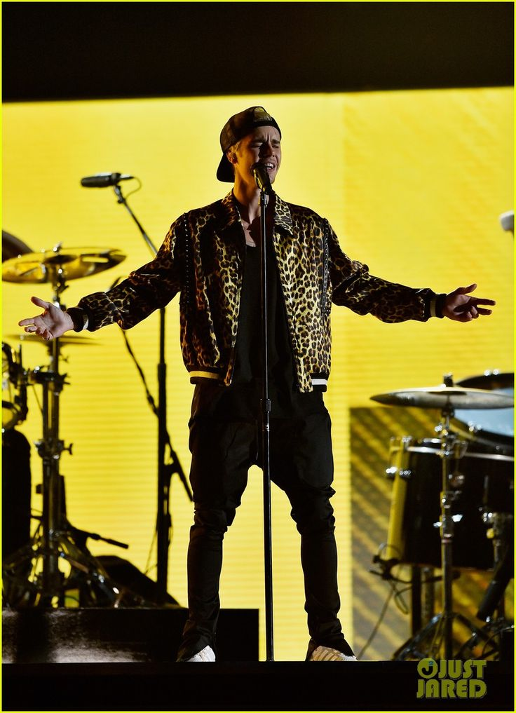 Justin Bieber Sings 'Where Are U Now' & 'Love Yourself' at Grammys 2016 - Watch Now!: Photo #929748. Justin Bieber rocks leopard-print while performing on stage at the 2016 Grammy Awards held at the Staples Center on Monday (February 15) in Los Angeles.     The…