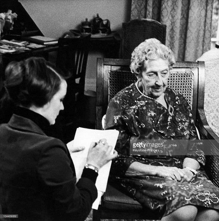 UNITED KINGDOM - MARCH 21: Lyn KRAMER, a sculptor woman from Madame TUSSAUD'S Museum went to Agatha CHRISTIE's home in Berkshire to make a portrait of the writer and to take her measurements. This was aimed at making a wax statue of the novelist