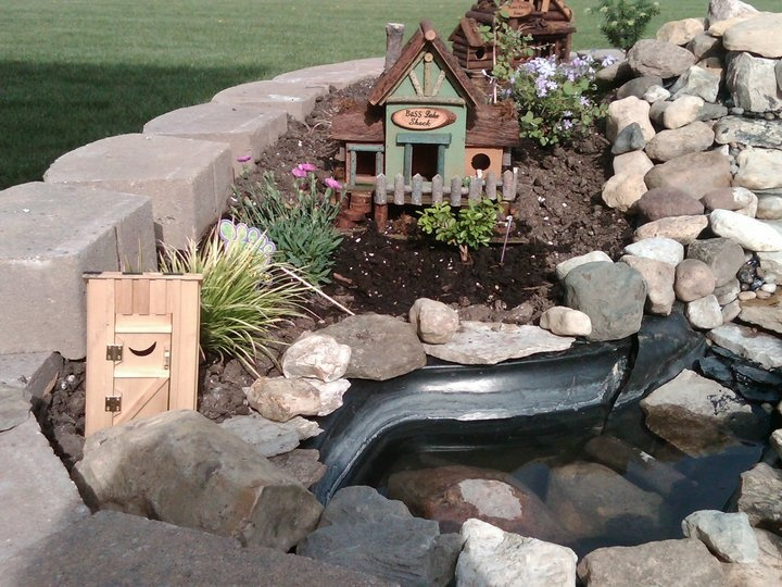 17 best images about miniature garden on pinterest for Fairy garden waterfall