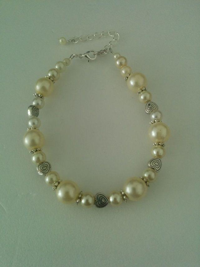 Cream & Silver Bracelet £5.99