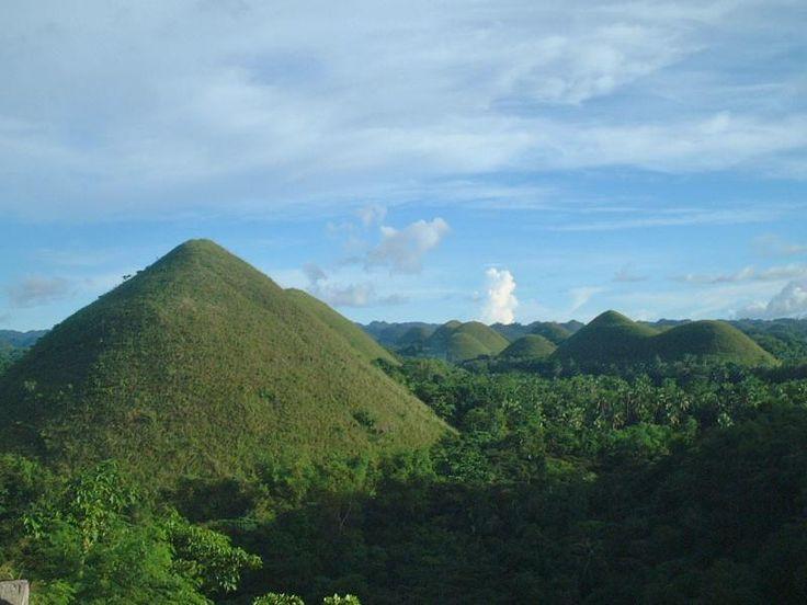 ユーラシア旅行社で行くフィリピンツアー チョコレートヒルズ、ピナツボ火山、プエルトプリンセサ地底川フィリピン三大絶景紀行 8日間 http://www.eurasia.co.jp/travel/tour/AP08