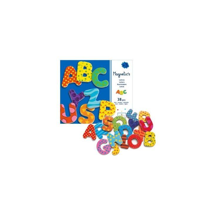 Quello di attaccare e staccare magneti dal frigorifero è un gioco per bambini amato da molti piccoli.  Con questi divertenti e coloratissimi magneti a forma di lettere dell'alfabeto, i vostri bambini potranno iniziare a prendere confidenza con le lettere e, se in età scolare, potranno stupirvi con dei simpatici o emozionanti messaggi!  La confezione contiene 38 lettere in legno magnetiche da circa 4,3 cm.  Fascia d'età: 3 anni +