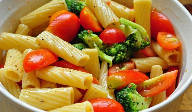 Rigatoni del fattore: pasta piccante con pomodori e cime di rapa