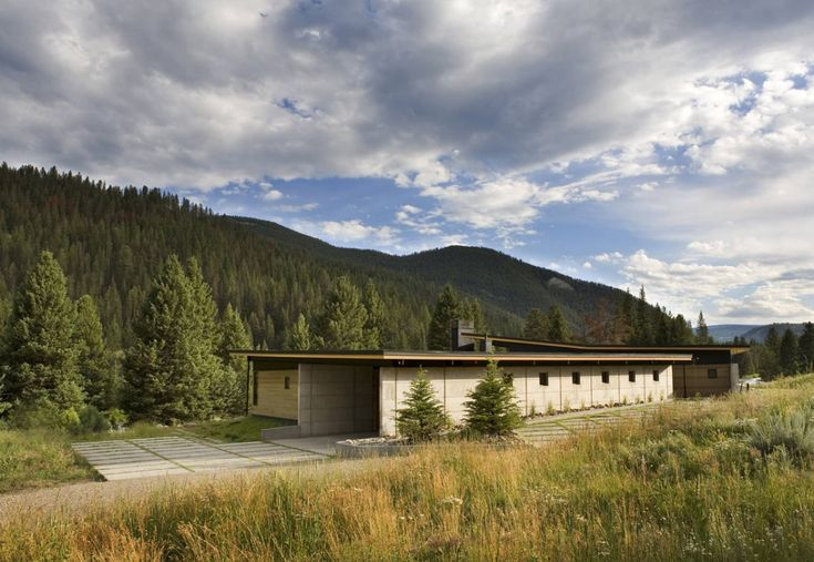 mountain modern (river bank house by Balance Associates Architects)