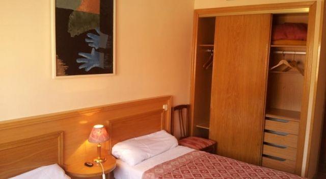 Hostal Juan XXIII - 2 Sterne #Guesthouses - EUR 30 - #Hotels #Spanien #SanSebastiánDeLosReyes http://www.justigo.com.de/hotels/spain/san-sebastian-de-los-reyes/hostal-juan-xxiii_30758.html