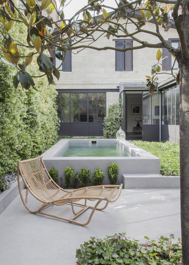 Un beau #jardin avec petite #piscine.. de quoi se reposer en #été..  http://www.m-habitat.fr/jardin-et-piscine/