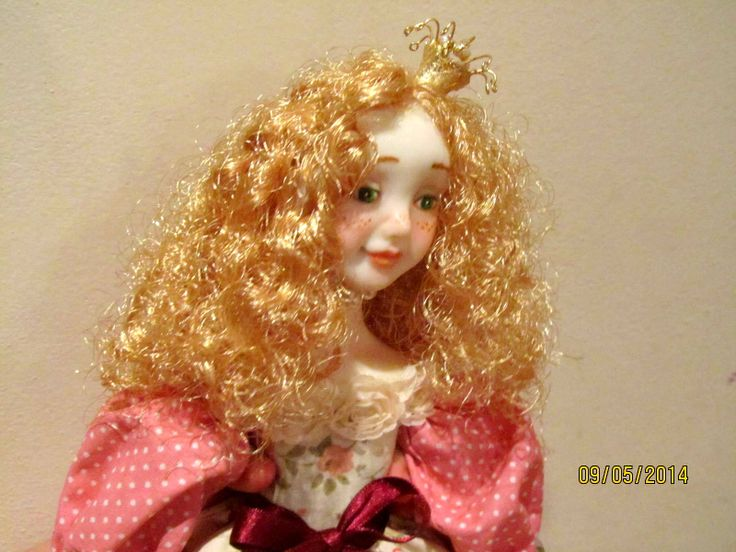 Hand made doll by Vafa, Fimo puppen, textile
